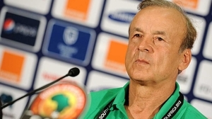 Rohr meets Eagles, as training gets underway in Uyo